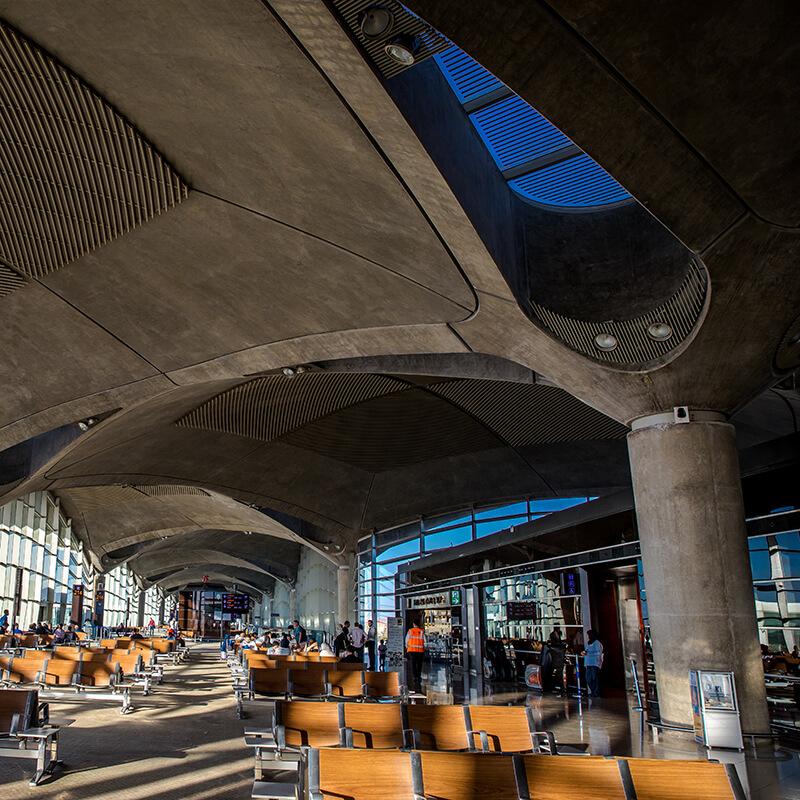 تحييد الكربون بمطار الملكة علياء الدولي